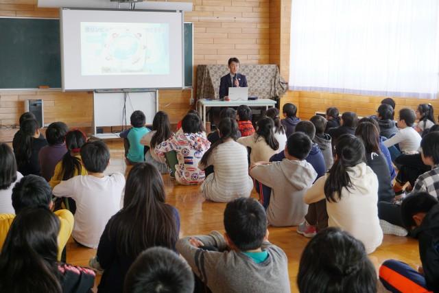 平岸小学校